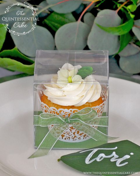 Wedding Favor Cupcakes | The Quintessential Cake | Chicago | Luxury Wedding Cakes