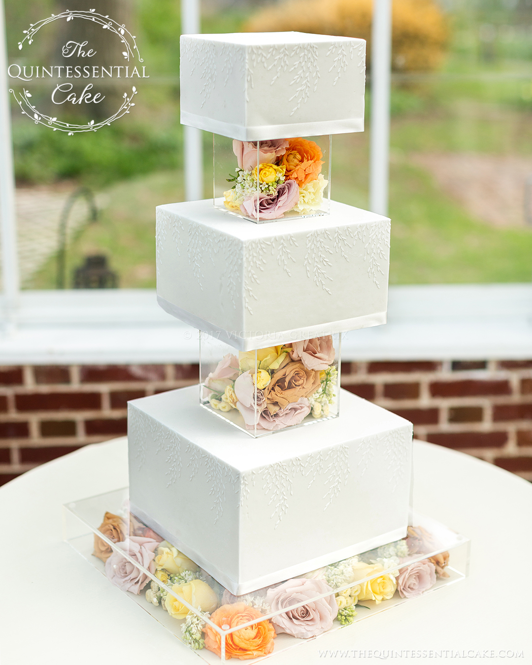 TQC Square Cake with Acrylic Risers & Fresh Flowers | The Quintessential Cake | Chicago | Luxury Wedding Cakes | The Cheney Mansion |