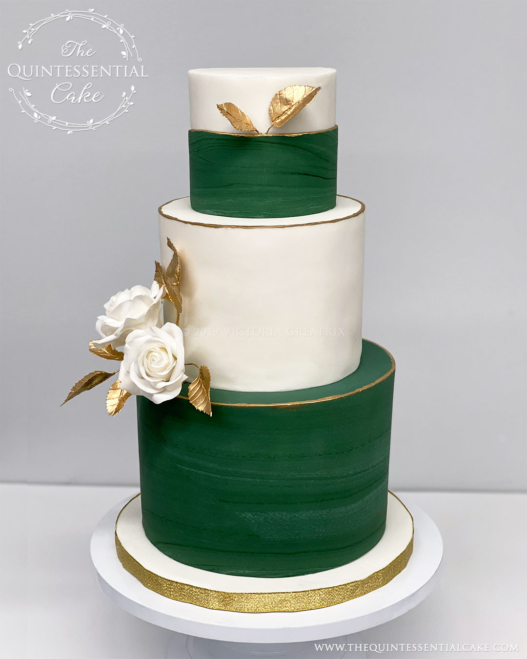 Green Marble Wedding Cake with Gold Accents | The Quintessential Cake | Chicago | Luxury Wedding Cakes |