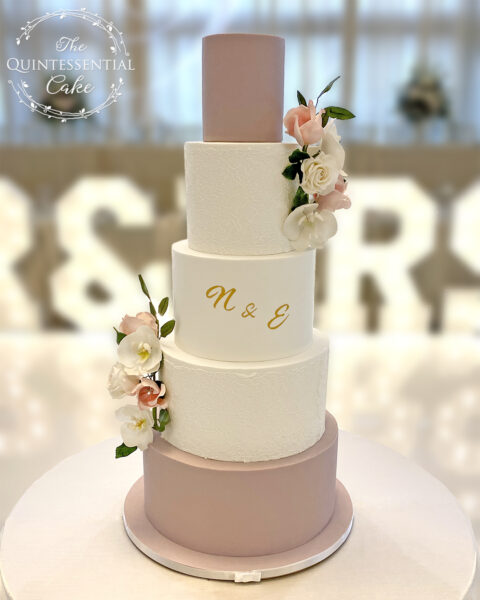 Lace Wedding Cake with Sugar Flowers | The Quintessential Cake | Wheaton | Chicago | Wedding Cakes | Victoria In the Park | Mount Prospect
