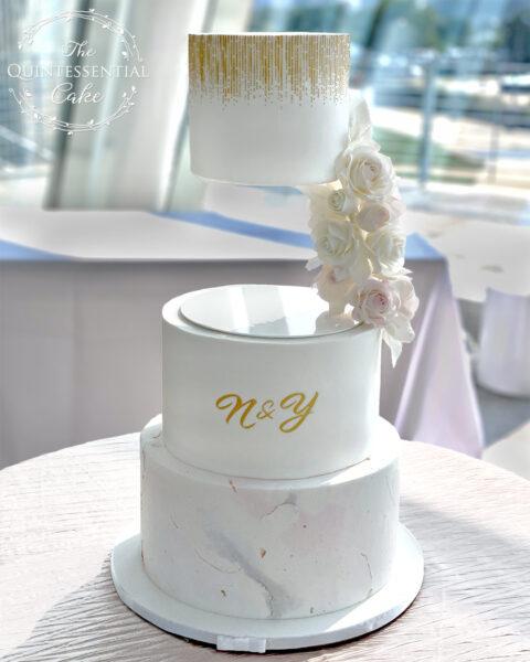 Floating Tier Wedding Cake   The Quintessential Cake   Wheaton   The Adler Planetarium   Chicago
